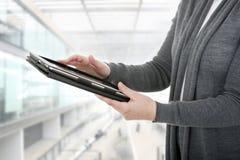 strzała mogą target758_0_ cieszą się jeżeli warstwy potrzeby komputer osobisty oddzielny tablet one ty zdjęcie royalty free