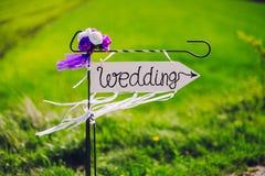 Strzała przylepiający etykietkę ślub Obrazy Royalty Free