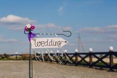 Strzała przylepiający etykietkę ślub Fotografia Stock