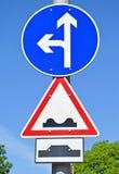 Strzałkowaty ruchu drogowego znak Fotografia Royalty Free