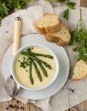 strzały szparagów blisko zupy, Zdjęcia Stock