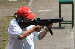 strzelający Zdjęcia Stock