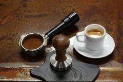 Strzelający kawy espresso kawa przygotowywająca Obrazy Royalty Free