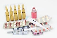 Strzykawka, serum, medycyna, termometr i dawka zastrzyki, Zdjęcia Stock