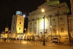 Sts Anne kyrka på natten. Warsaw.Poland Royaltyfri Fotografi