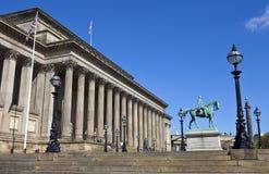 Sts George Hall, prins Albert och gummistövels kolonn i levande Arkivbild
