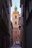 Sts Martin kyrkliga Klocka torn i Warszawa Royaltyfri Fotografi