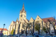 Sts Mary domkyrka i gamla Sibiu, Rumänien royaltyfria foton