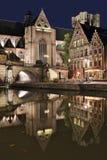 Sts Michael kyrka och bro på natten Belgien ghent Royaltyfri Foto