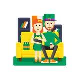 Sts Patrick dag hemma med flickvännen Arkivfoton