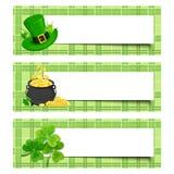 Sts Patrick dagbaner med treklövern, kruka av guld och trollhatten Vektor EPS-10 Arkivbild