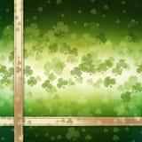 Sts Patrick kort för daghälsning på grön bakgrund Arkivfoto