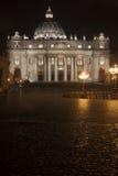 Sts Peter basilika i Rome, Italien Påvlig plats peter rome s för springbrunn för stad för bakgrundsbasilicabernini fyrkantig st v Royaltyfri Fotografi