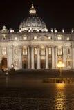 Sts Peter basilika i Rome, Italien Påvlig plats peter rome s för springbrunn för stad för bakgrundsbasilicabernini fyrkantig st v Arkivfoto