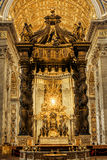 Sts Peter basilika, stol av St Peter, baldakin Arkivfoton