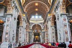 Sts Peter basilikainre i Vaticanen fotografering för bildbyråer