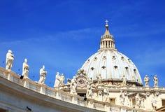 Sts Peter fyrkant i Vatican City Arkivfoto