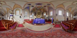 Sts Peter katolsk kyrkas altare i Cluj-Napoca, Rumänien Royaltyfria Bilder
