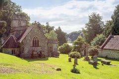 Sts Peter kyrkliga Stourhead och panteon Royaltyfri Fotografi