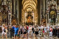Sts Stephen domkyrka (Stephansdom) i Wien Royaltyfri Bild