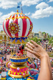 Ståtar det magiska kungariket för den Disney världen Mickey och den Minie musen Arkivbild