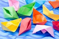 Stubarwne papierowe origami łodzie Obraz Stock