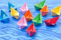 Stubarwne papierowe origami łodzie Obraz Royalty Free