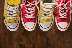 Stubarwni młodości gym buty na podłoga Obrazy Royalty Free