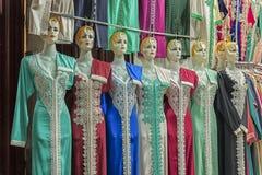 Stubarwny odziewa na souk w fezie, Maroko Zdjęcia Stock