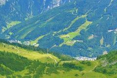 从Stubnerkogel,坏Gastein,缆索铁路,奥地利的方式 库存照片