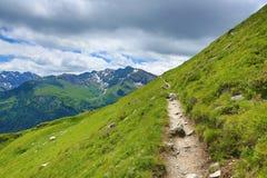 从Stubnerkogel,坏Gastein,缆索铁路,奥地利的方式 免版税库存图片
