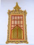 Stuc antique thaïlandais de châssis de fenêtre Photos stock