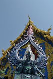 Stucco el arte en Wat Rong Sua Ten, Chiang Rai Province, Tailandia Foto de archivo