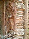 Stucco los elementos del hotel abandonado en estilo del angkor Imágenes de archivo libres de regalías