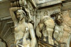 Stuckaturen på fasaden Royaltyfri Foto