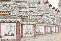 Stuckaturskulptur på pagod på Wat Arun Royaltyfri Foto