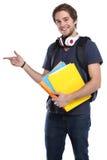 Studencki młody człowiek pokazuje marketingowemu portretowi uśmiechniętych ludzi isol obrazy royalty free