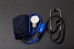 studentów medycyny narzędzia - stetoskop i tonometer Fotografia Stock