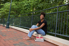 Student buiten op campus Royalty-vrije Stock Foto