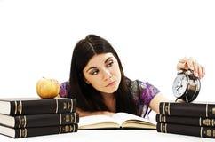 Student, der für die Prüfungen sich vorbereitet Stockbild