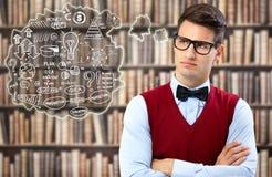 Student, der an Strategie denkt lizenzfreie stockbilder