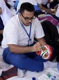 Student het schilderen kleipot Royalty-vrije Stock Afbeelding
