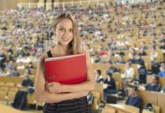 Student im Vorlesungssal Lizenzfreies Stockfoto