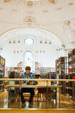 Student in the library Royalty Free Stock Images