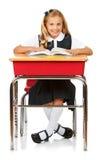 Student: Nettes Schulmädchen-Lesebuch Stockbild