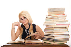 Student reading book Royalty Free Stock Photos