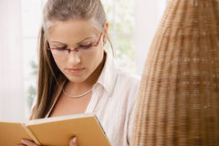 Student reading book Stock Photos