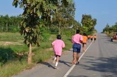 Student Running, skolasport Royaltyfri Bild