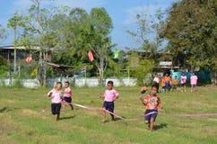 Student Running, skolasport Royaltyfria Foton