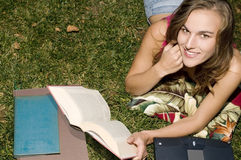 Student studying outdoors Royalty Free Stock Photography